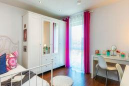 Mädchenzimmer mit Home Staging Pink