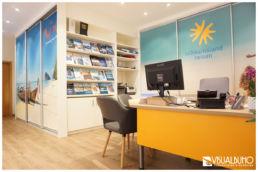 Reisebüro Regal Prospekte neu Einrichtungsberatung