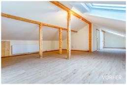 Schlafzimmer leer Dachschräge