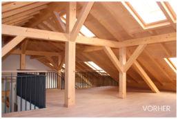 Fotomontage Dachgeschosswohnung leer Dachschräge